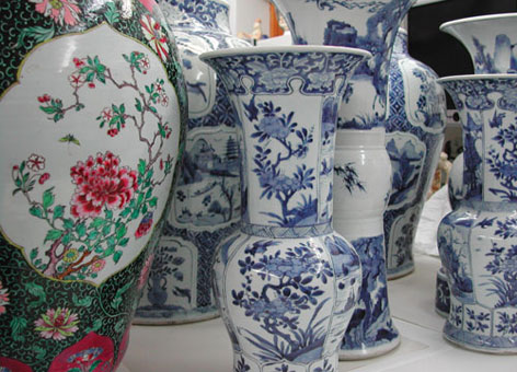 Big blue and white chinese vases